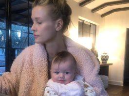 """Joanna Krupa ochrzciła córkę. """"Wyjątkowy dzień dla naszego aniołka"""". Foto: Instagram/joannakrupa"""