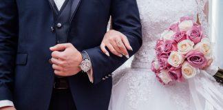 Ślub, nowożeńcy. Obrazek ilustracyjny. Źródło: pixabay