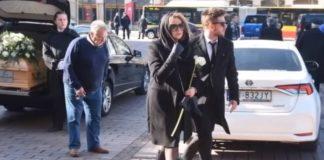 Stypa po pogrzebie Pawła Królikowskiego. Najbliżsi aktora spotkali się w teatrze. Foto: print screen z YouTube/GOSSIP TV