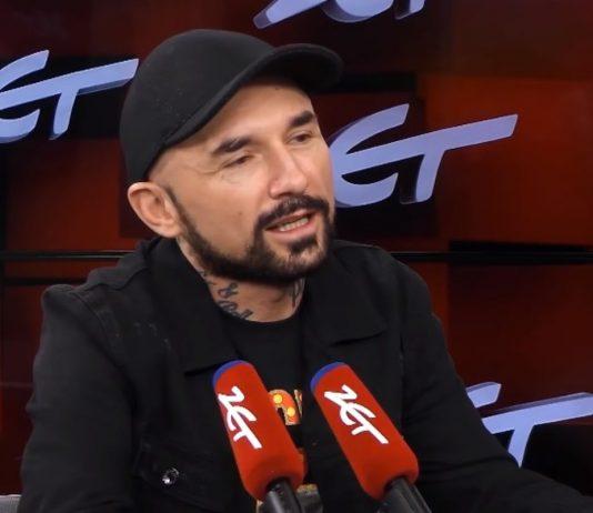 """Patryk Vega nie martwi się o przyszłość. """"Ma kilka filmów nakręconych na zapas"""". Foto: print screen z YouTube/Radio ZET"""