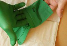 Gumowe rękawiczki ochronne fot. Wikimedia Commons